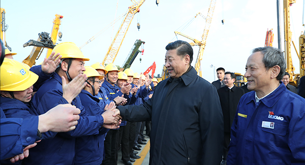 President Xi Jinping visited XCMG on Dec. 12.