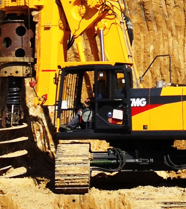 Piling machinery