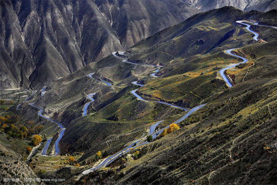 This Highway Makes Easy Travels to Yunnan