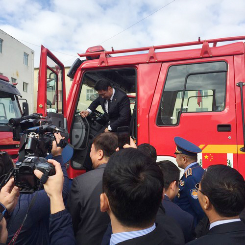 mongolian-vice-prime-minister-praised-fire-fighting-equipment-of-xcmg