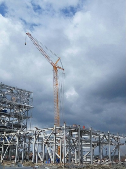 All-powerful crane – XGC 260t crawler crane