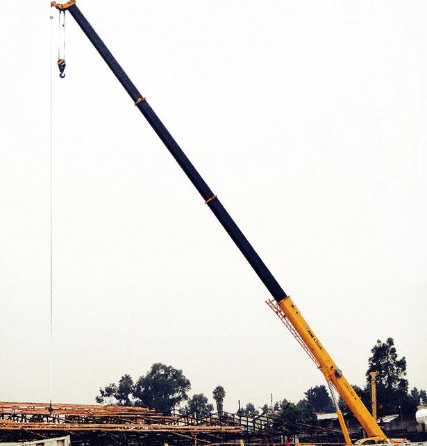 起重机助力南苏丹铁路建设