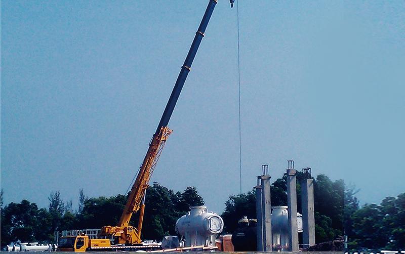 起重机助力马来西亚炼油厂项目