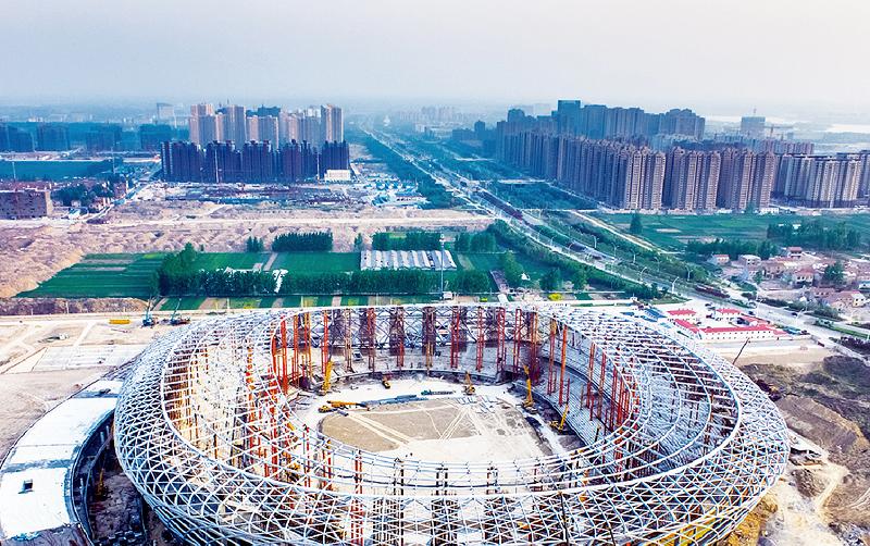 起重机助力亚洲北京鸟巢建设