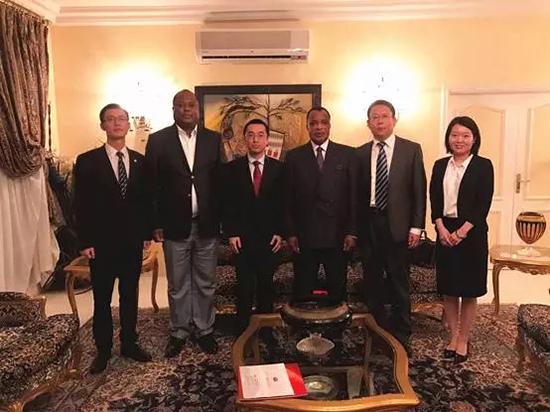 刚果共和国总统萨苏会见徐工代表团,点赞徐工产品!