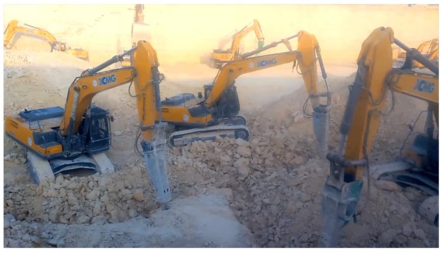徐工设备参与2022年世界杯基建项目