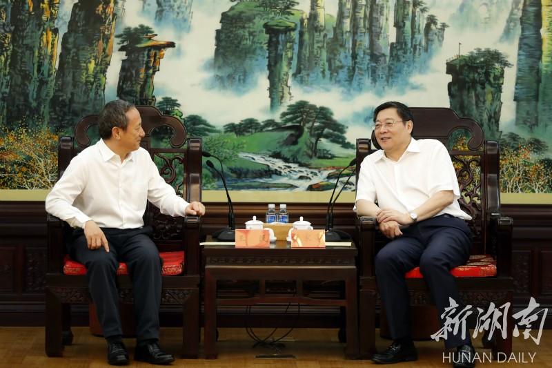 湖南省委书记杜家毫与王民座谈,共同推动制造业高质量发展