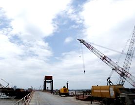 XR460D在芜湖大桥施工