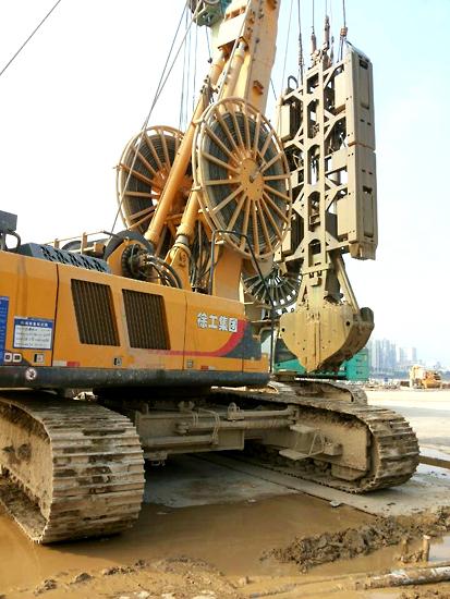 珠澳大桥珠海连接线人工岛工程施工