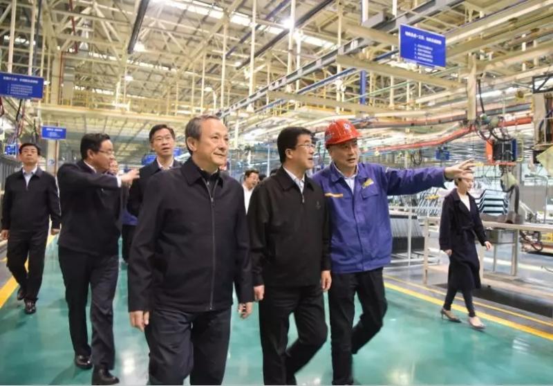 王民陪同枣庄市市委书记、市人大常委会主任李峰调研徐工